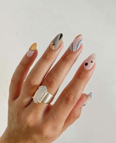 длинные ногти с осенним маникюром 7