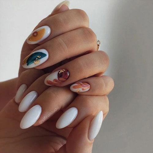 длинные ногти с осенним маникюром 6
