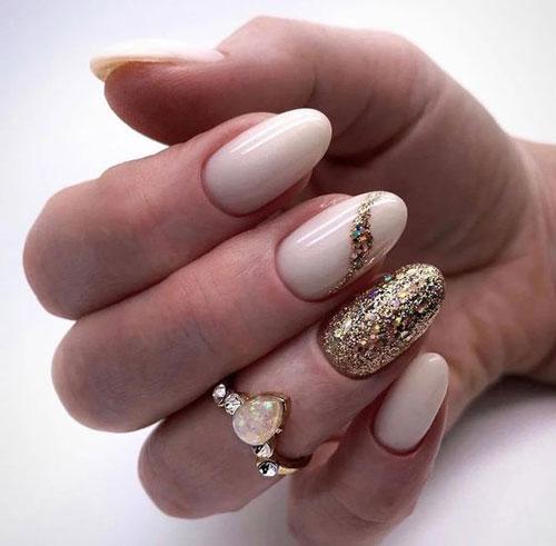 длинные ногти с осенним маникюром 4