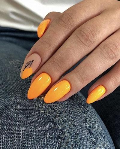 длинные ногти с осенним маникюром 2