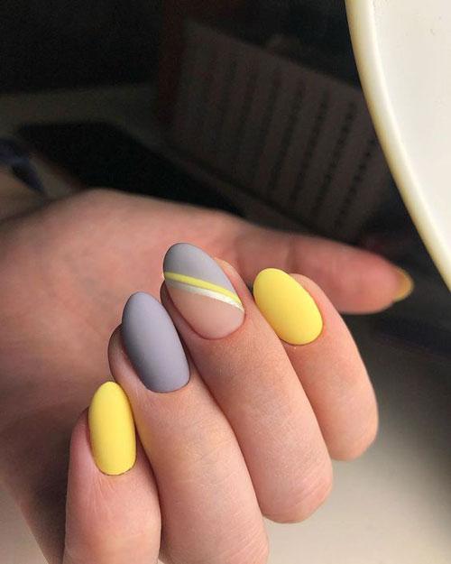 красивый осенний маникюр на длинные ногти с фото 7