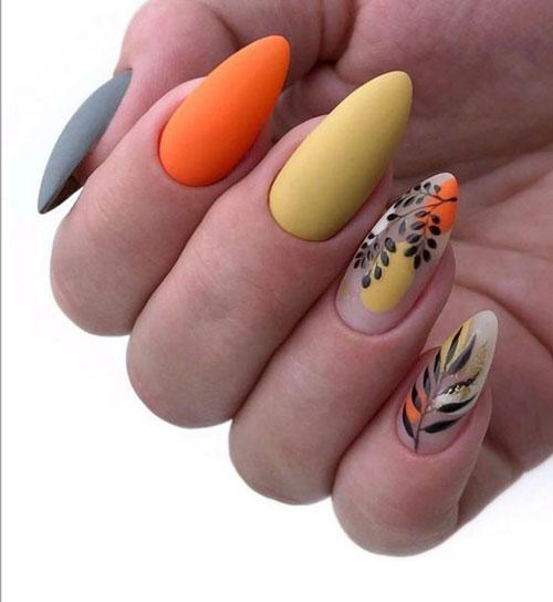 красивый осенний маникюр на длинные ногти 5