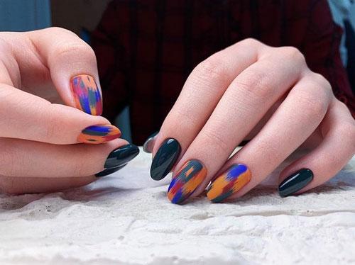 яркий осенний маникюр 2021 на длинные ногти 2