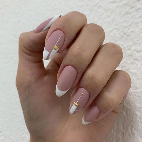 Осенний маникюр на длинные ногти в стиле минимализм 2