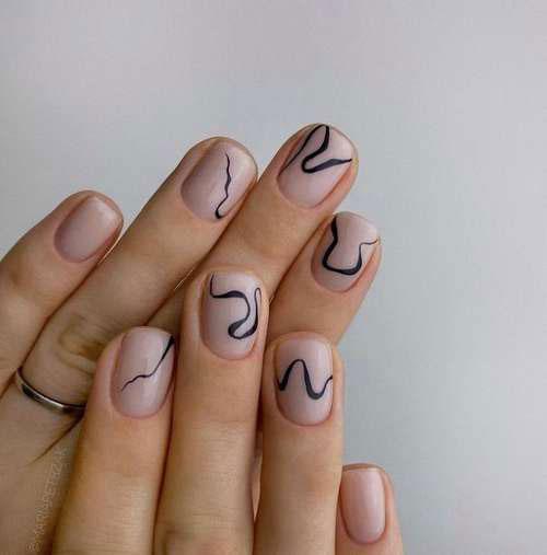 красивый маникюр осенний на короткие ногти