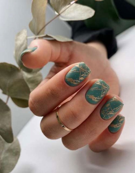 идеи осеннего маникюра на короткие ногти