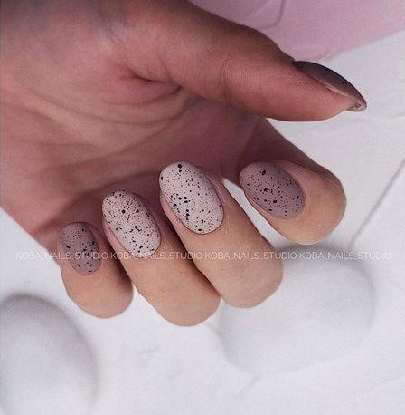 красивый маникюр на короткие ногти осенний дизайн