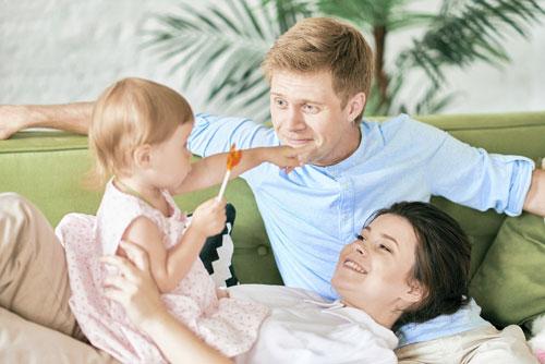 почему ребенок ревнует маму к папе