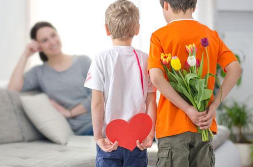 что делают в День Матери в России